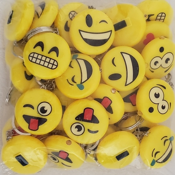 Unknown Other - Light Up Emoticon Key Chains Lot Of 36 Party Favor